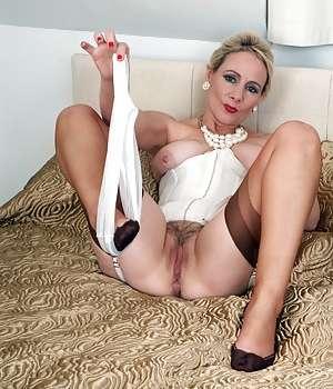 Maria Elena cinquantenne zoccola
