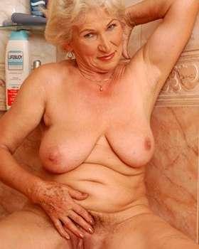 Anziana in calore